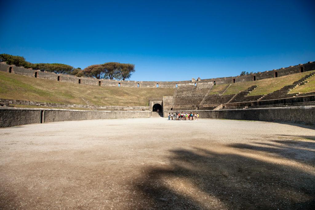 Piazzola interna e splati anfiteatro piu grande di Pompei
