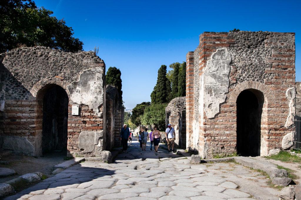 Porta Ercolano e via delle Tombe - Sito archeologico di Pompei