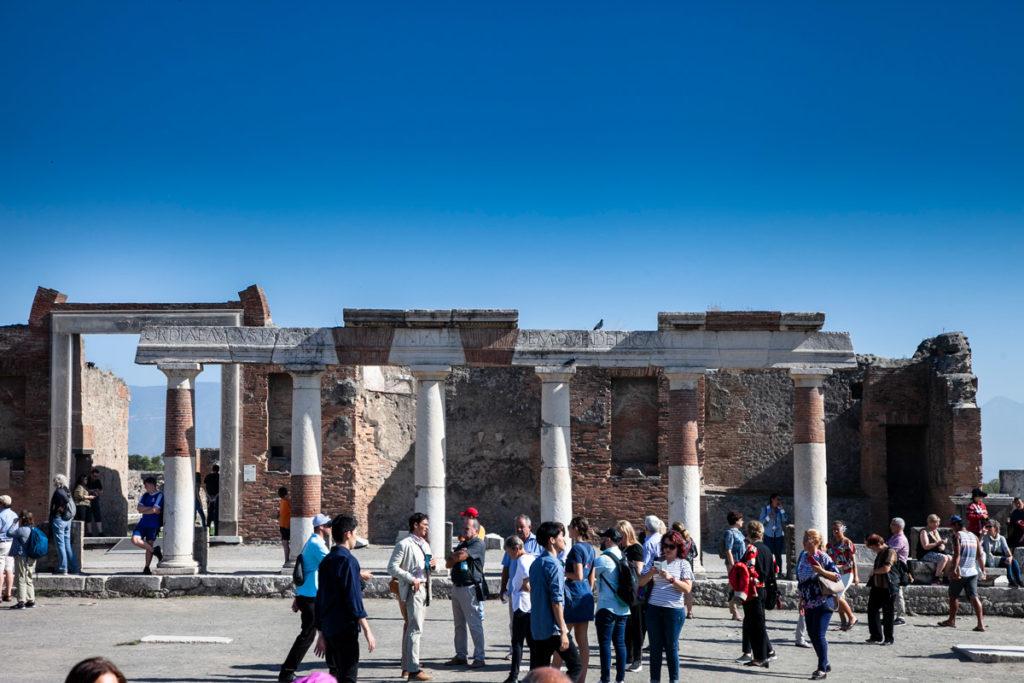 Porticati nel foro di Pompei