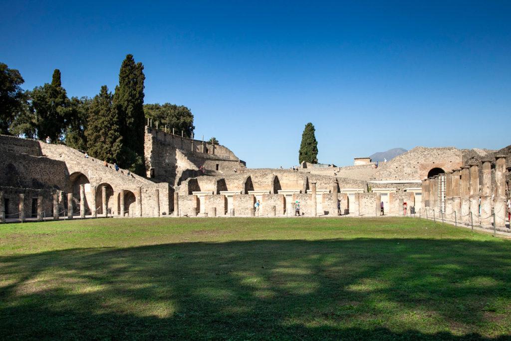 Quadriportico dei Teatri - Itinerario di Pompei