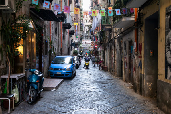 Quartieri Spagnoli - Vie costruite a 90 gradi a Napoli