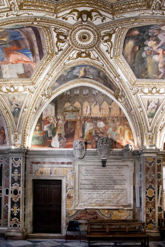 Ricchi affreschi della cripta di sant'Andrea