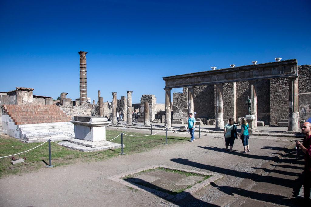 Santuario di Apollo sul foro di Pompei