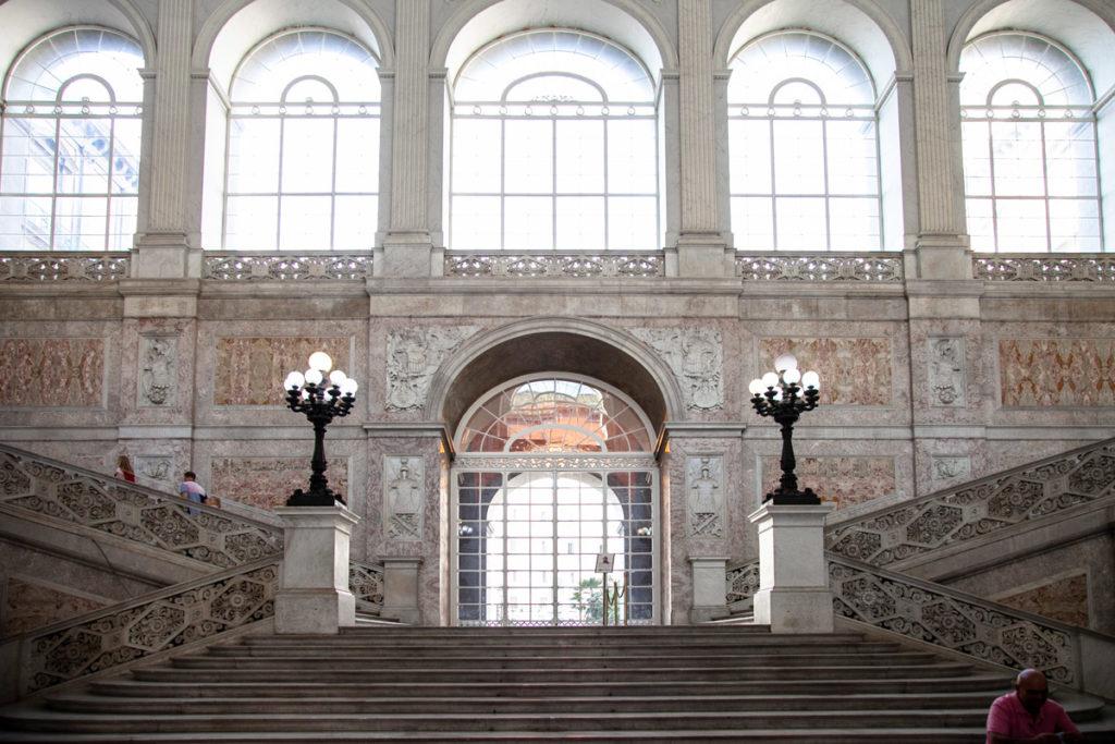 Scalinata del Palazzo Reale di Napoli