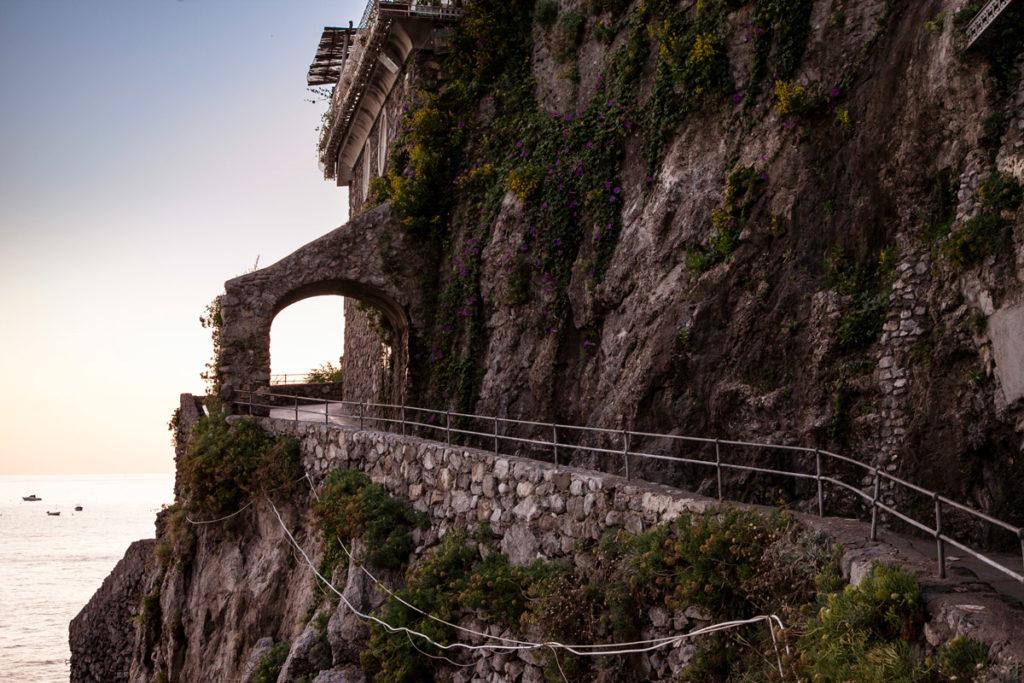 Sentiero degli innamorati e arco in roccia