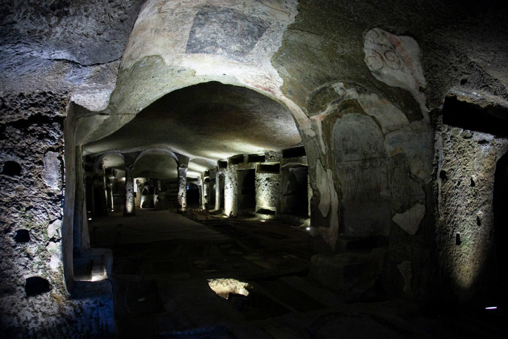 Sepolture dei morti fuori dal centro storico - Catacombe di San Gennaro a Napoli