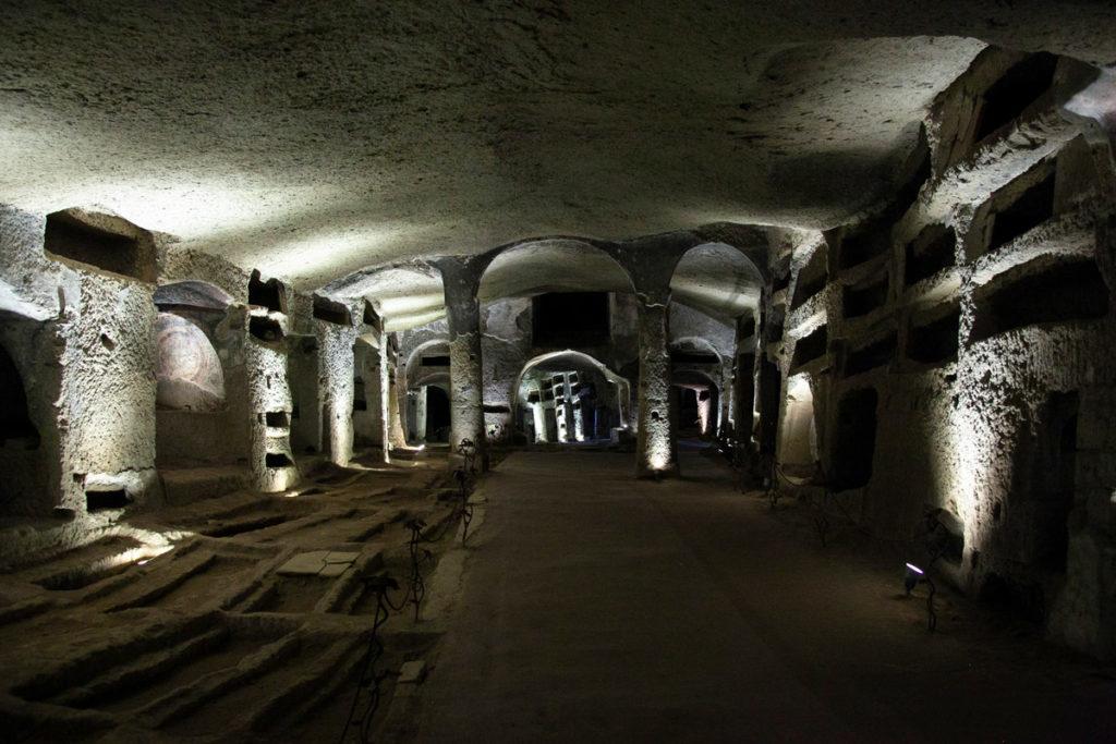 Sepolture dentro alle Catacombe di San Gennaro - Rione Sanità