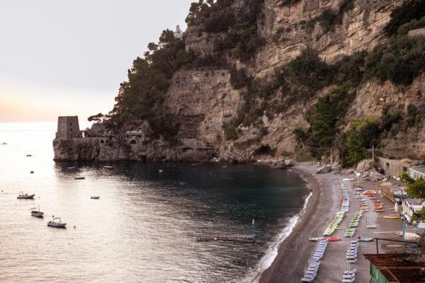Spiaggia del Fornillo di Positano e torre saracena