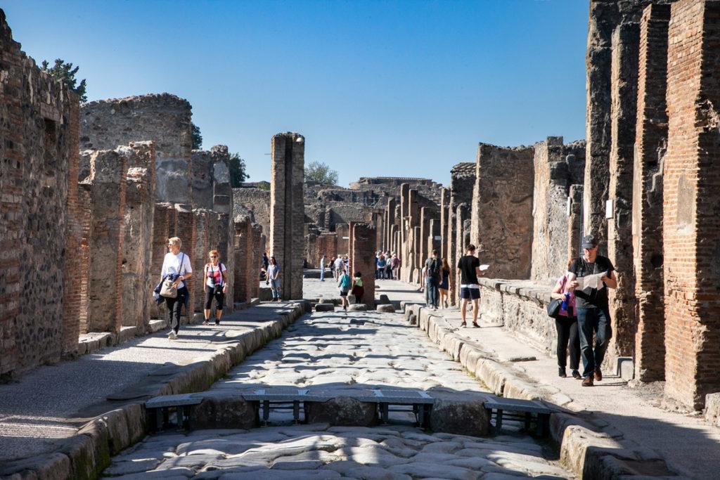 Strada degli scavi archeologici di Pompei