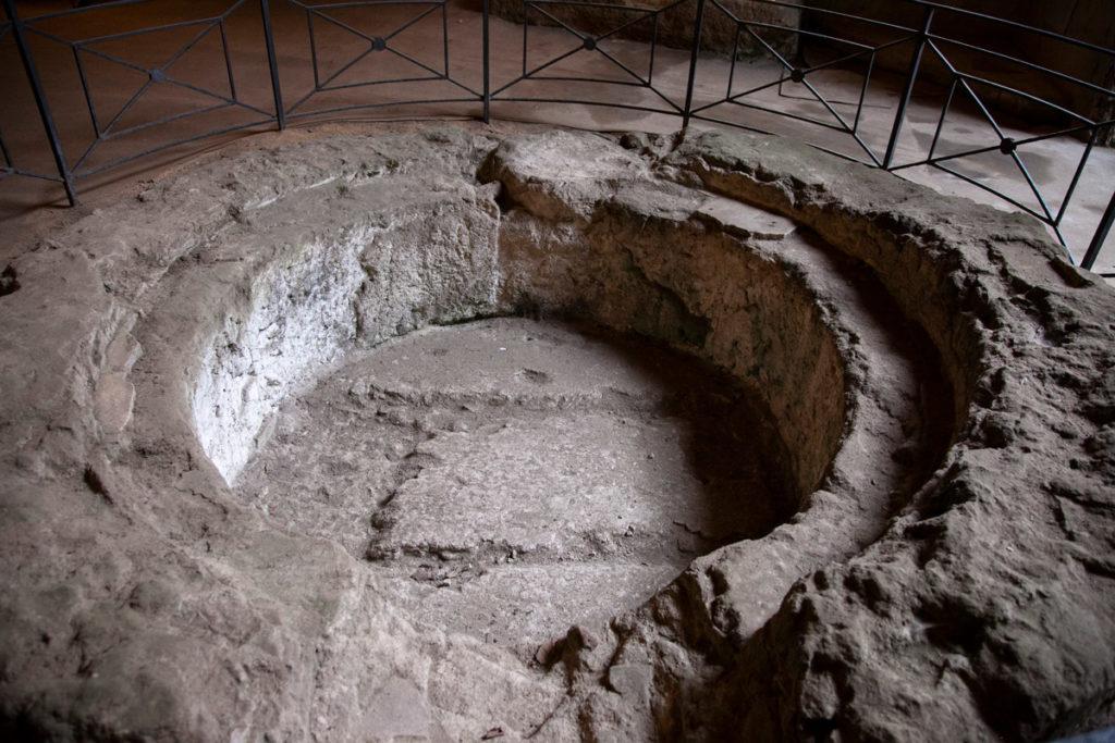 Struttura antica scavata nelle Catacombe di San Gennaro