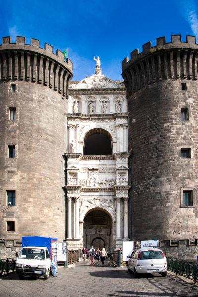 Torre di Guardia e torri di ingresso al Maschio Angioino - Cosa vedere a Napoli