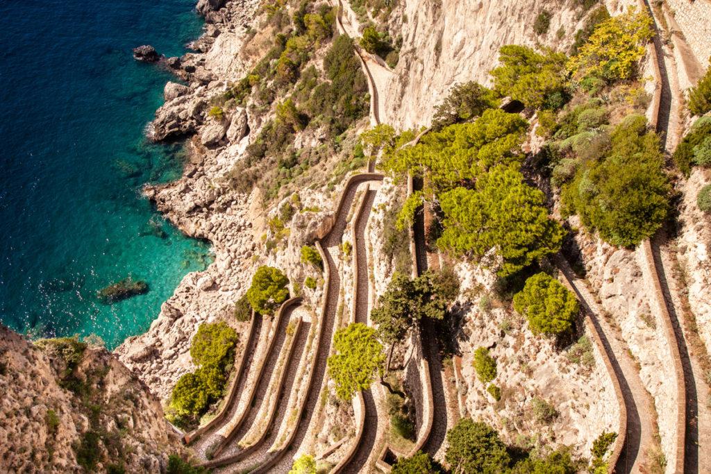 Via Krupp - la stradina pedonale di Capri che scende fino a Marina Piccola