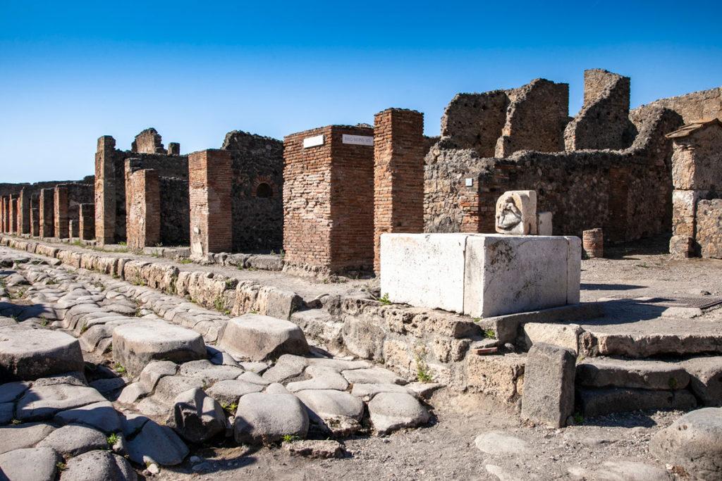Via Stabiana a Pompei e Fontana