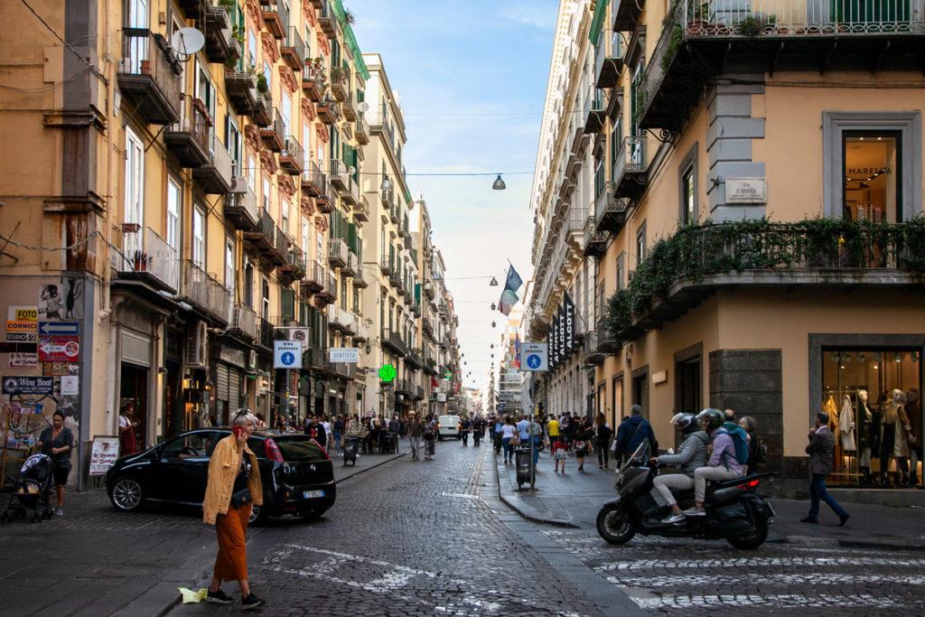 Via Toledo - Strada dello Shopping di Napoli