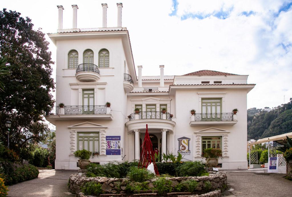 Villa Fiorentino - Famiglia ricamatrice di fazzoletti