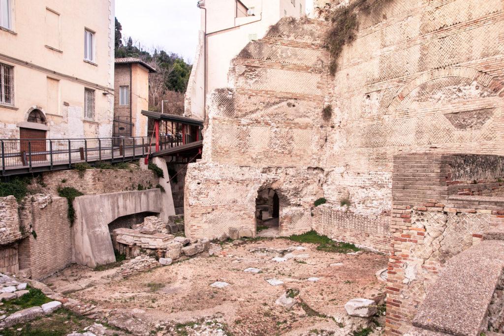 Anfiteatro romano in piazza del Senato - Ancona