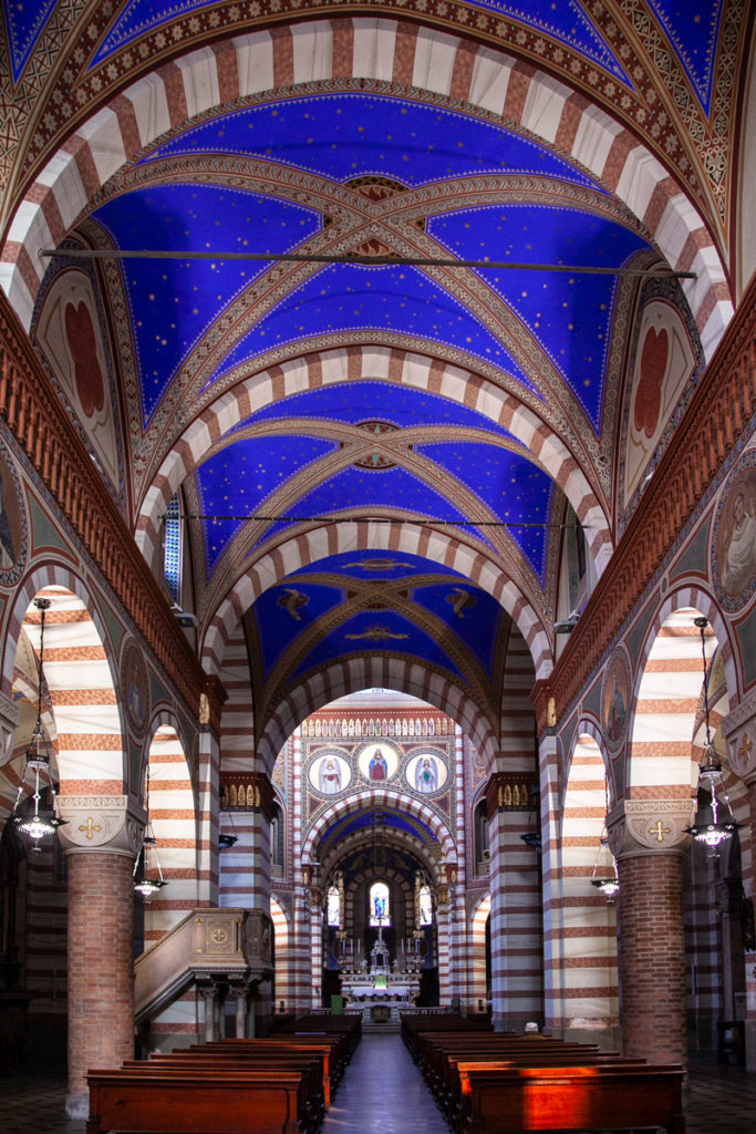 Archi e volte della navata centrale della Pieve di Santa Maria Assunta - Soncino