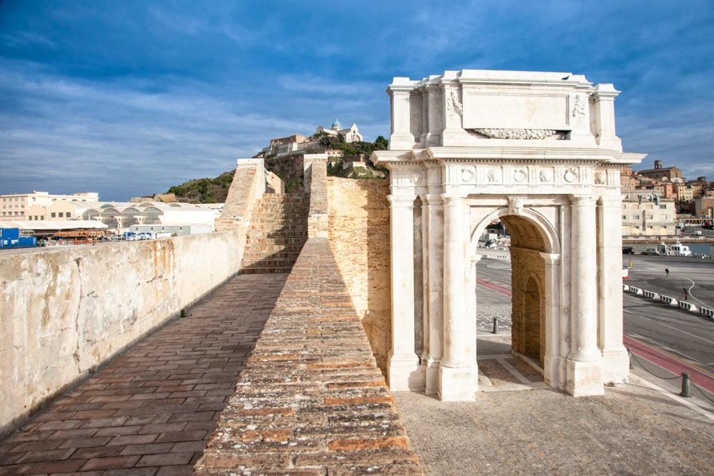 Arco Clementino di Ancona - Opera di Vanvitelli
