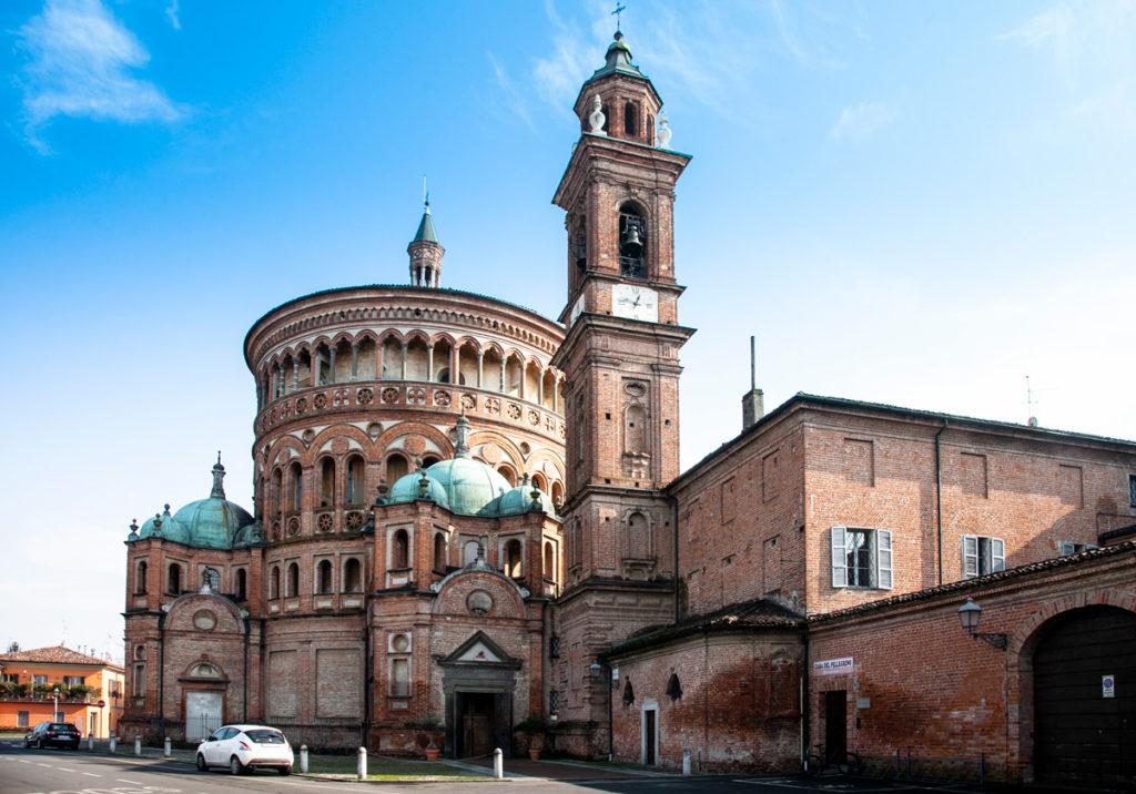 Campanile e chiesa del Santuario di Santa Maria della Croce