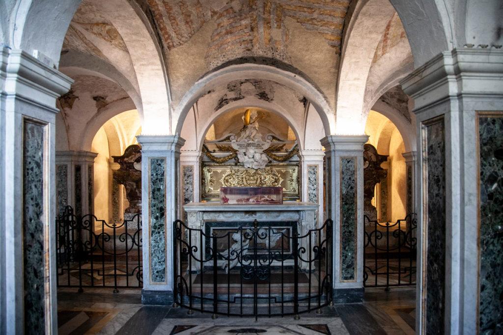 Cripta dei Protettori dentro al duomo di Ancona con resti di San Ciriaco