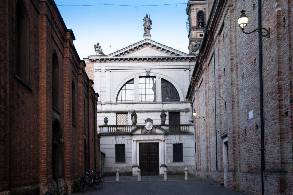 Facciata della Basilica di San Defendente Martire a Romano di Lombardia