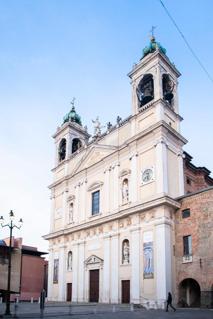 Facciata della Chiesa di Santa Maria Assunta e San Giacomo Maggiore - Cosa vedere a Romano di Lombardia