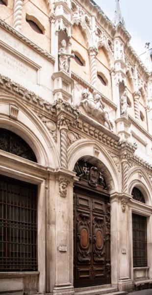 Facciata della Loggia dei Mercanti - Cosa vedere ad Ancona