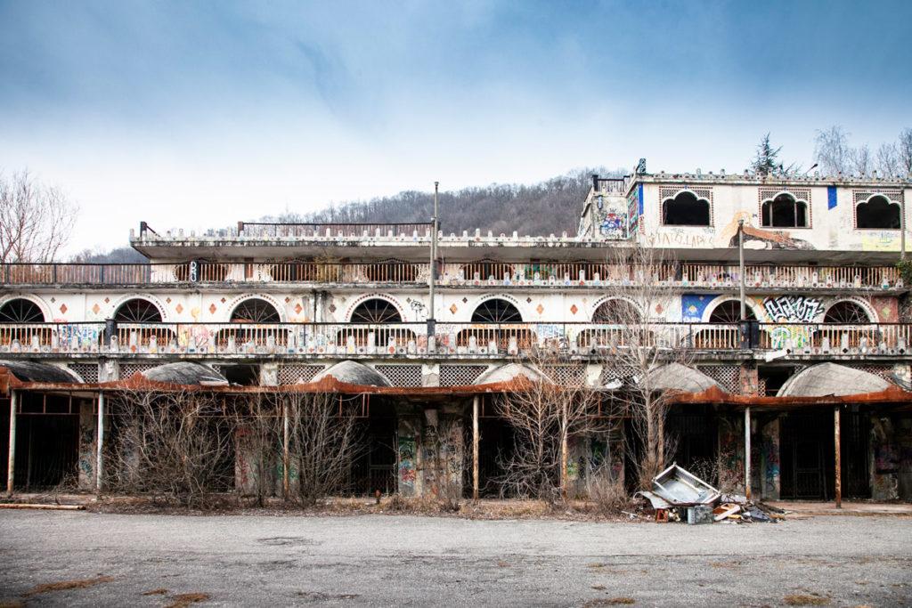 Galleria Commerciale abbandonata di Consonno