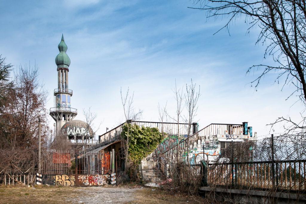 Il minareto simbolo di Consonno
