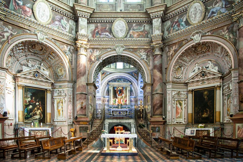 Interni del Santuario di Santa Maria della Croce