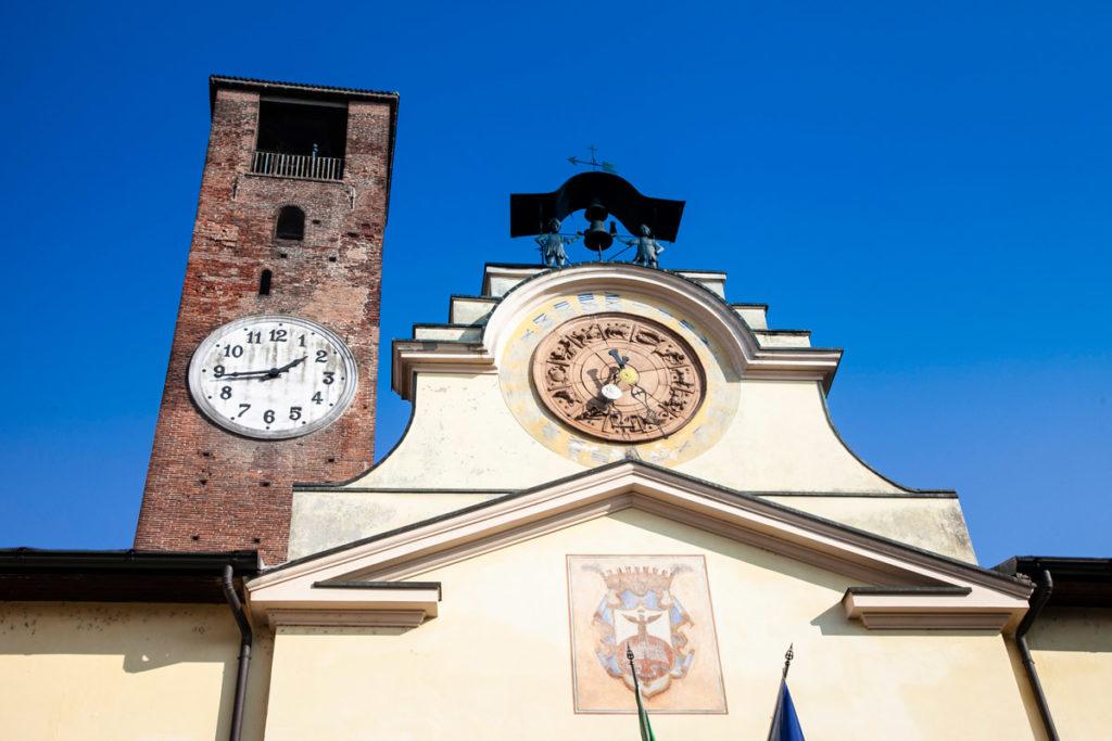 Palazzo Comunale con automa e torre civica