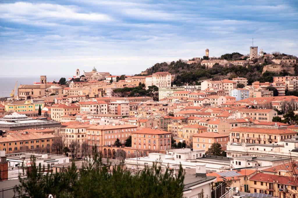Panorama sul centro storico di Ancona visto dal Largo Casanova