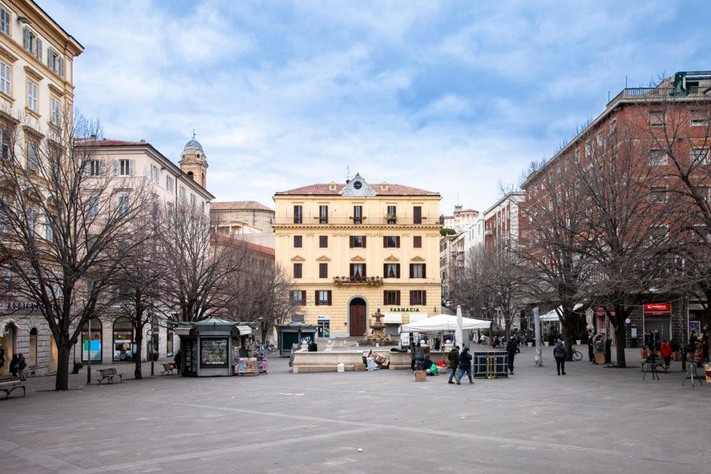 Piazza Roma di Ancona - Piazza del Mercato