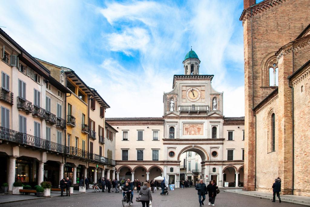 Torrazzo di Crema in piazza del Duomo
