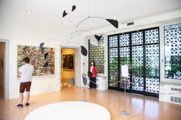 Alexander Calder - Arco di Petali - 1941 - Ingresso della Collezione Peggy Guggenheim