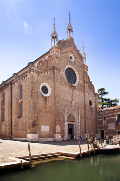Basilica dei Frari o Basilica di Santa Maria Gloriosa dei Frari a Venezia