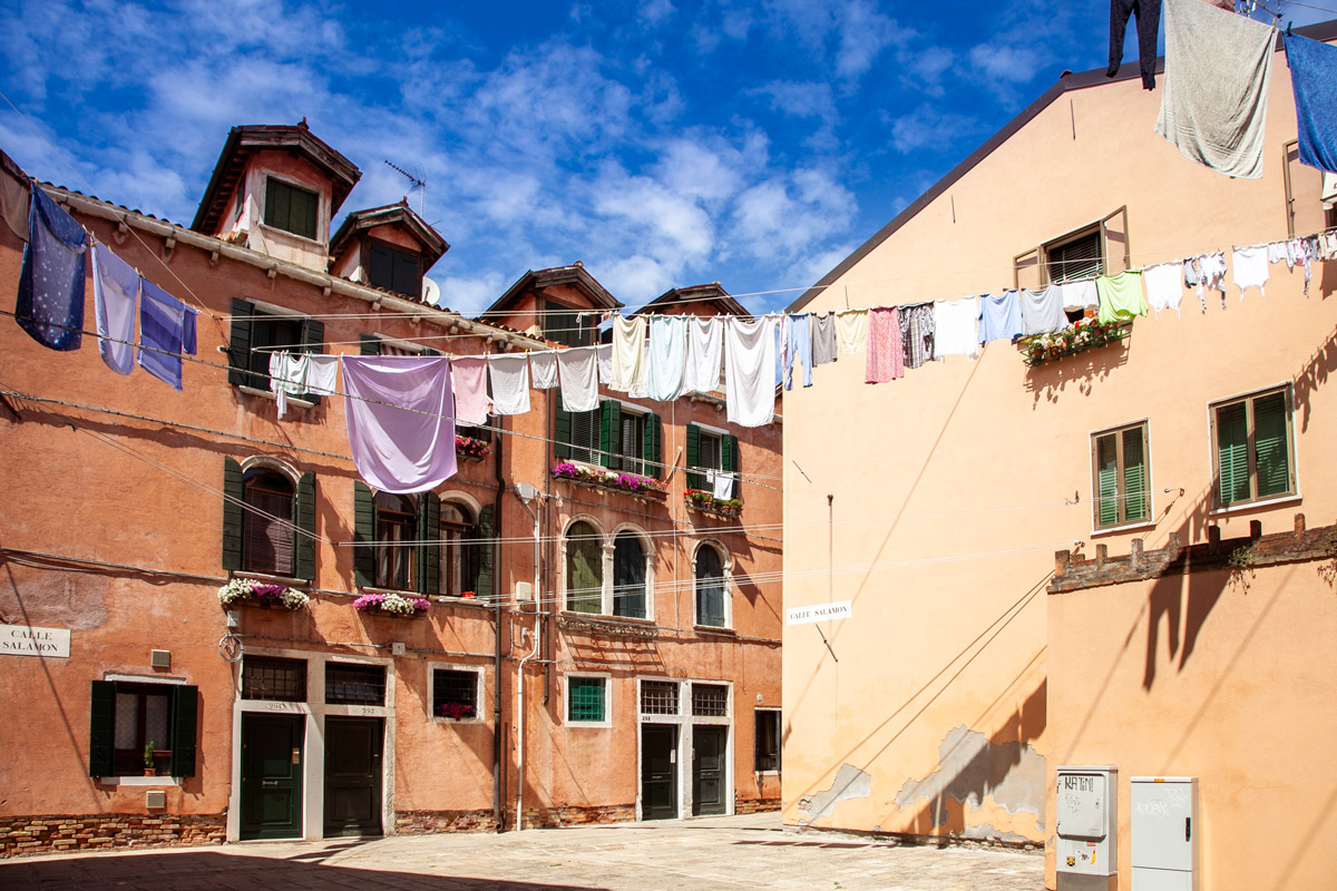 Calle e Palazzo Salamon a Venezia