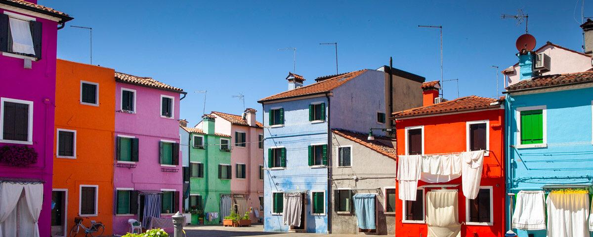 Campiello di Burano - Facciata delle case colorate