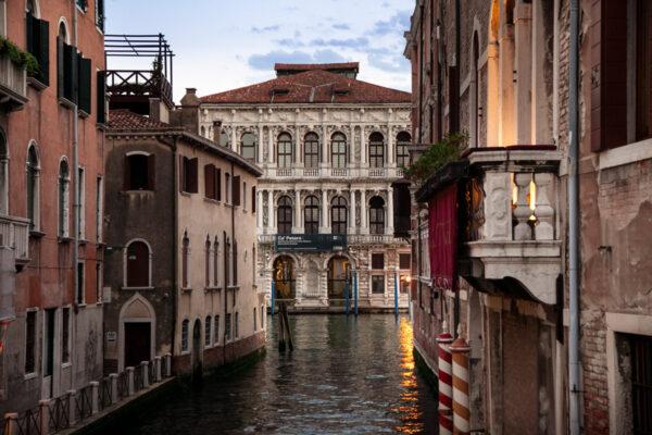 Canali e palazzi di Venezia al Tramonto