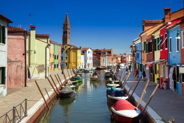 Case colorate sui canali di Burano - Cosa vedere a Venezia