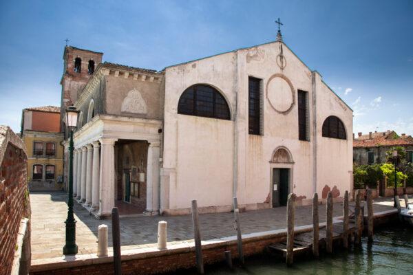 Chiesa di Sant'Eufemia - Facciata e portico sulla fiancata - Venezia