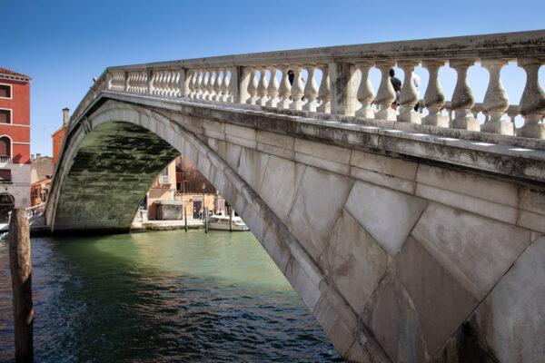 Dettaglio Ponte degli Scalzi a Venezia