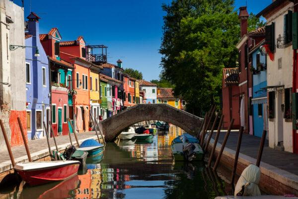 Fondamenta di Terranova - Canali e case colorate a Burano