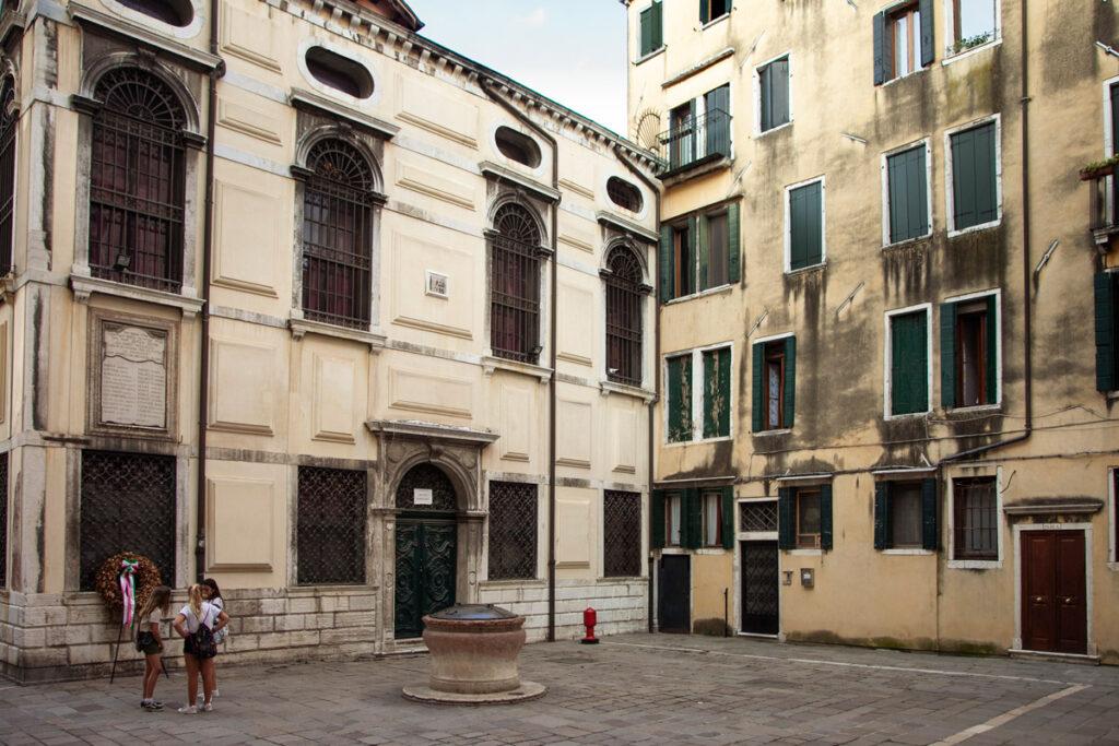 Ghetto Vecchio di Venezia - Scuole e Sinagoghe