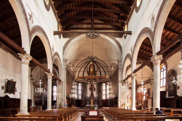 Interni della chiesa di San Pietro Martire
