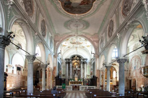 Interni della chiesa di Sant'Eufemia