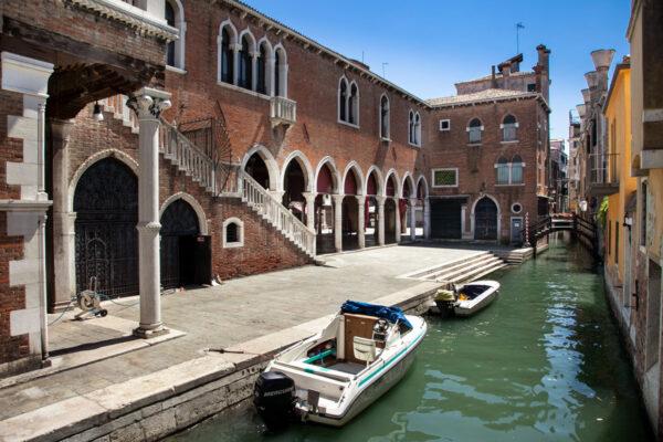 Mercato cittadino di Rialto a Venezia