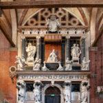 Monumento del doge Giovanni Pesaro nella Basilica dei Frari