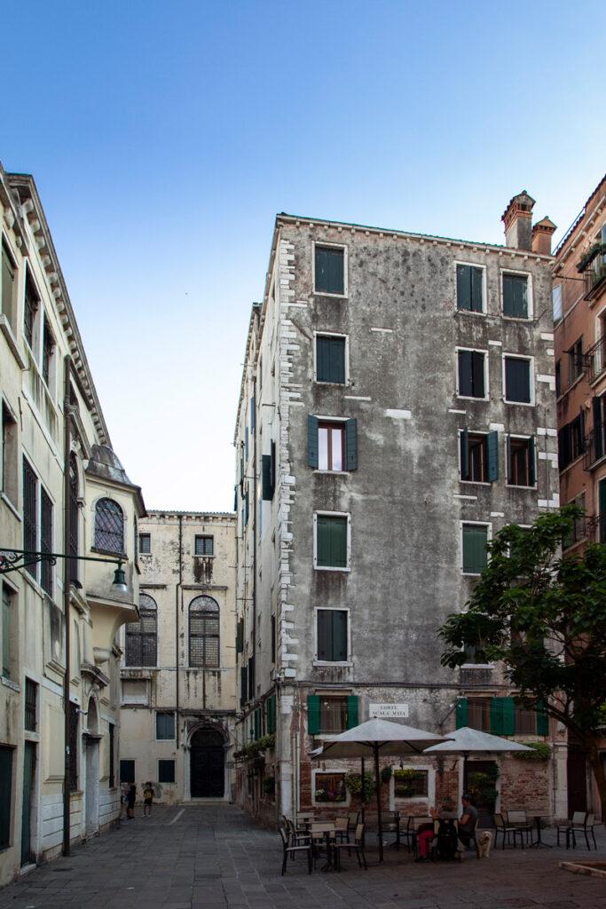 Palazzi a sviluppo verticale nel ghetto vecchio di Venezia