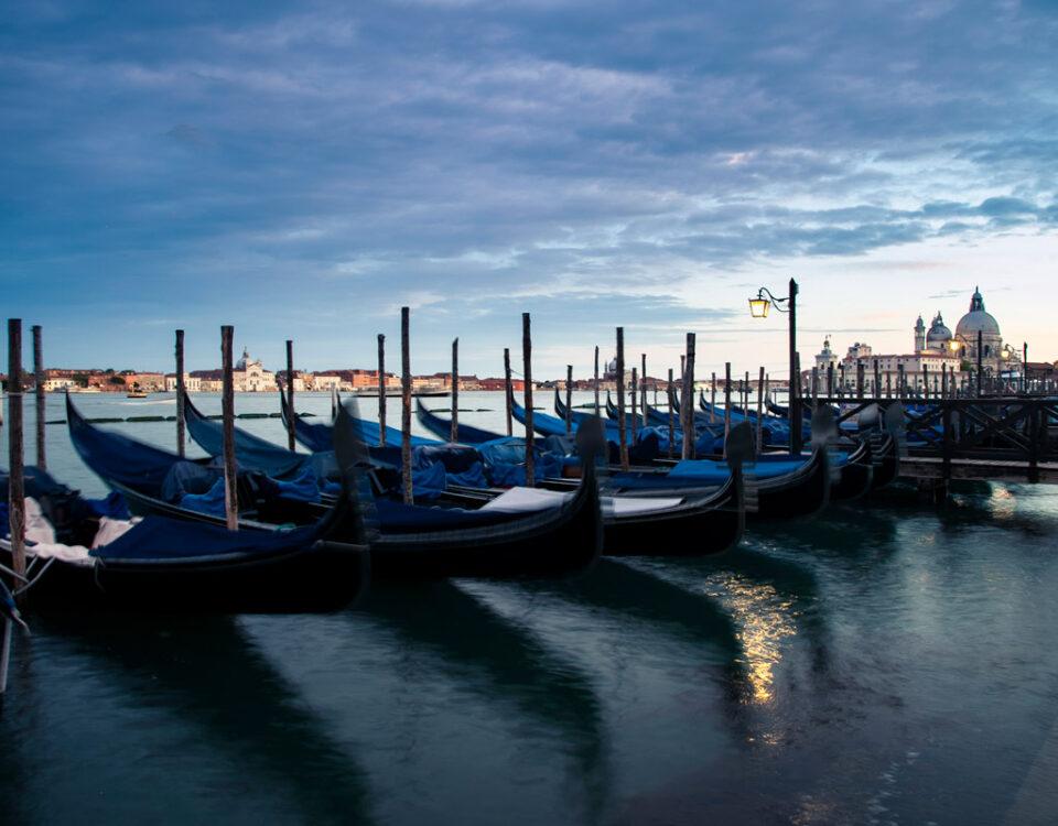 Piazzetta San Marco - Gondole attraccate